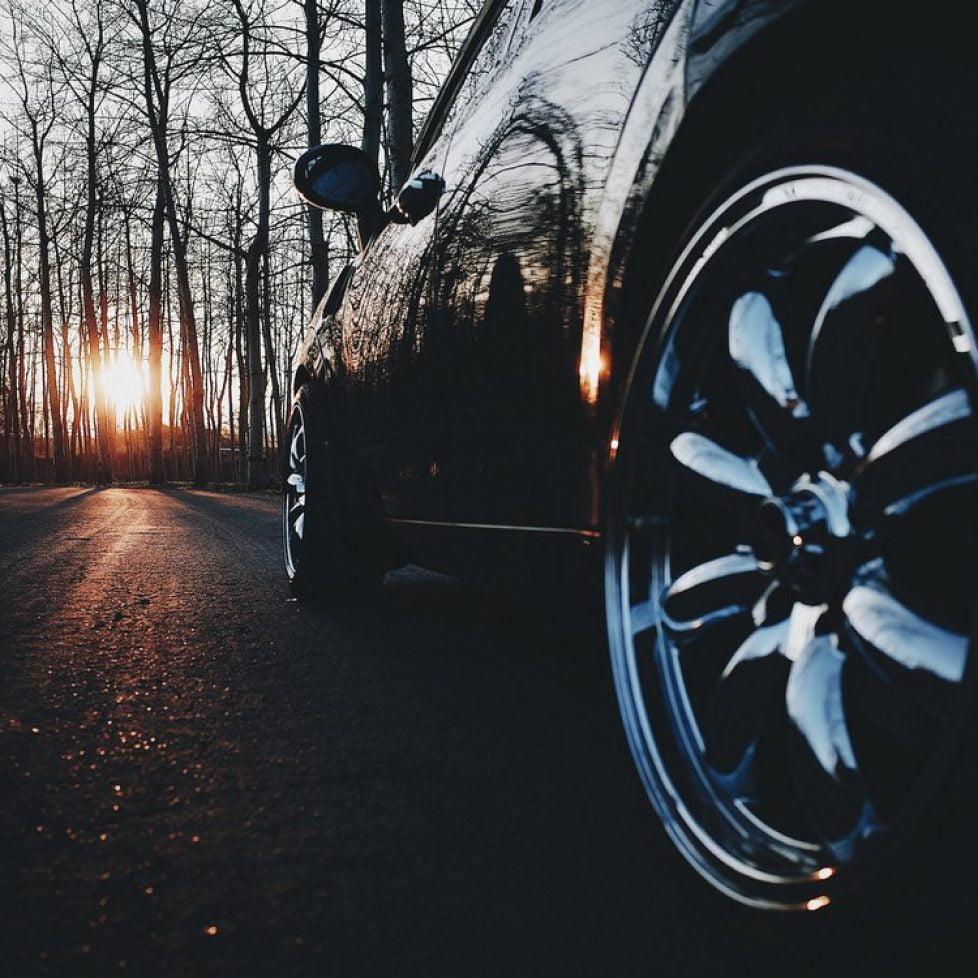 Miten löytää paras autolaina?